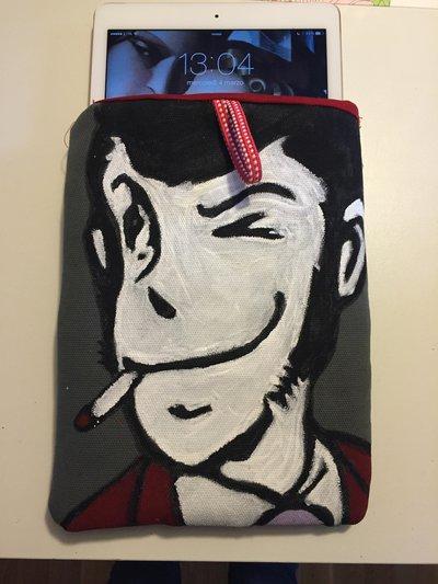 Custodia Porta I-pad dipinta a mano Lupin