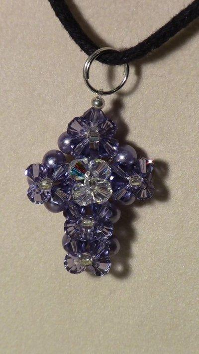 Croce in cristallo swarovski e perle