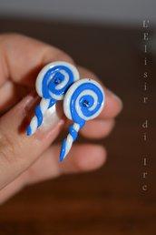 orecchini LECCALECCA a lobo blu e bianchi con perlina centrale