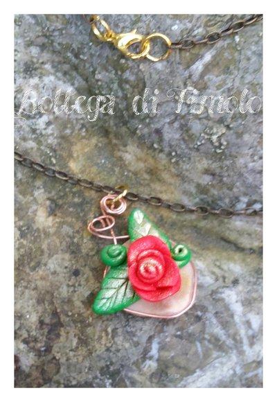 collanina con ciondolo rosa rossa anticata