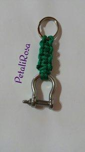 Portachiavi con anello e grillo nautico con corda paracord verde per passante cintura jeans