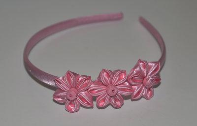 Cerchietto  con fiori kanzashi fatti a mano colore rosa