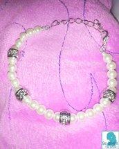 bracciale con perle bianche e argentate