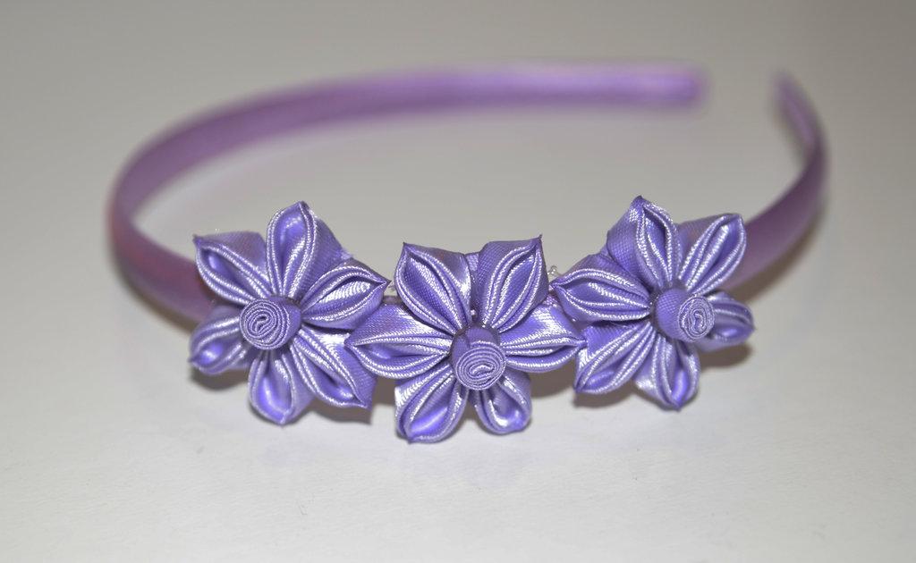 Cerchietto  con fiori kanzashi fatti a mano colore lilla