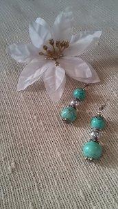 Orecchini con perle di ceramica azzurre