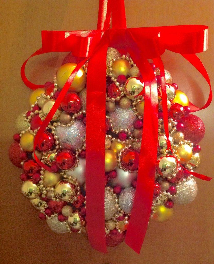 Decorazione natalizia per porta feste natale di for Decorazione natalizia per porta