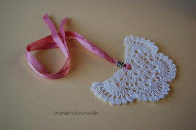 Bomboniera - segnaposto ad uncinetto con perla in argento - segnalibro farfalla