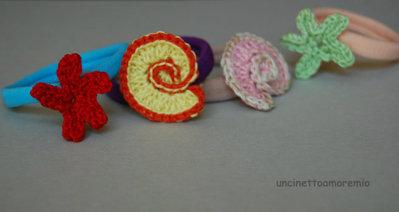 Quattro elastici per capelli con stelline e conchiglie ad uncinetto - accessori per bambine, per ragazze, per donne