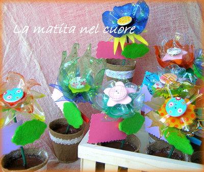 Sbocciano i fiori di tutti i colori!! Fiori in plastica pet in vaso con fogliolina porta messaggio/foto o segnaposto