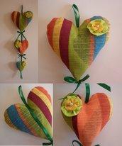 Ghirlanda di cuori fuoriporta, cuori da appendere imbottiti, cuori  in tessuto a righe, arcobaleno, multicolor, decorazione casa