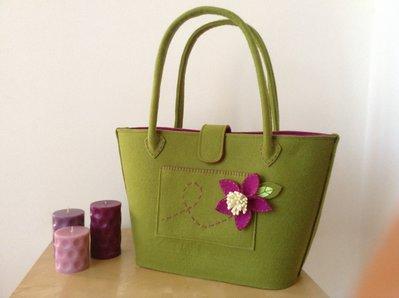 Borsa shopper in feltro color verde e ciclamino