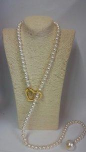 Collana di perle con moschettone a cuore