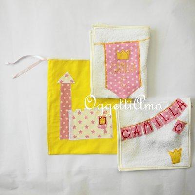 Set scuola 'Principessa': asciugamano, bavetta e sacca per la tua bambina che andrà all'asilo.