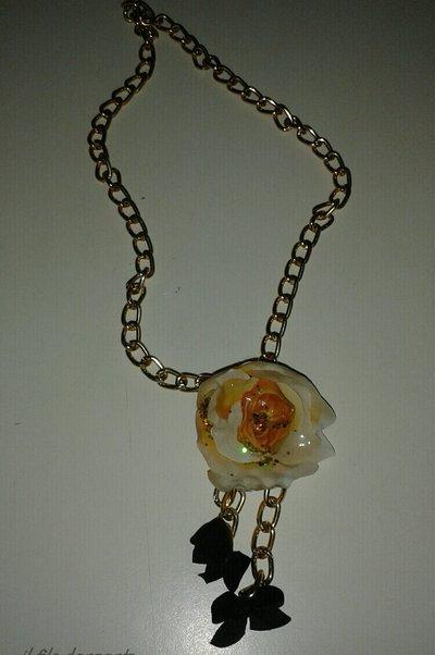 collana pendente fiore