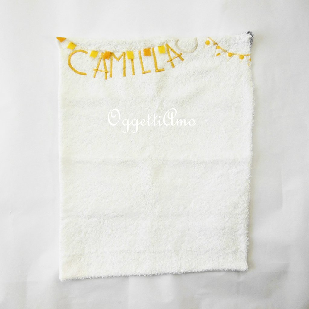 Asciugmani in morbida spugna 'Bandierine': asciugamano colorato, allegro e totalmente personalizzabile!