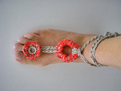 cavigliera / gioiello piede / accessori donna / moda Yoga / hippy chic / Boho moda mare / gioiello uncinetto /rosso corallo