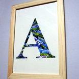 Alfabeto di carta, iniziale A quadro con cornice