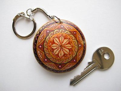 Portachiavi mandala rotondo in legno dipinto a mano