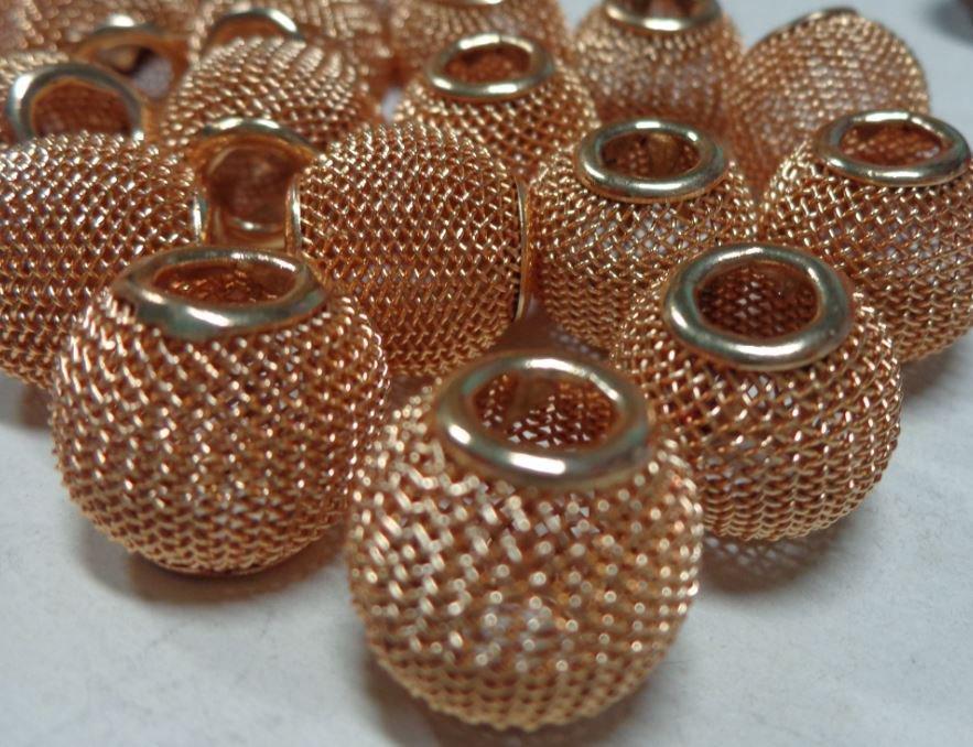 10 Perline In Metallo Retato Foro Largo SABBIA DORATA