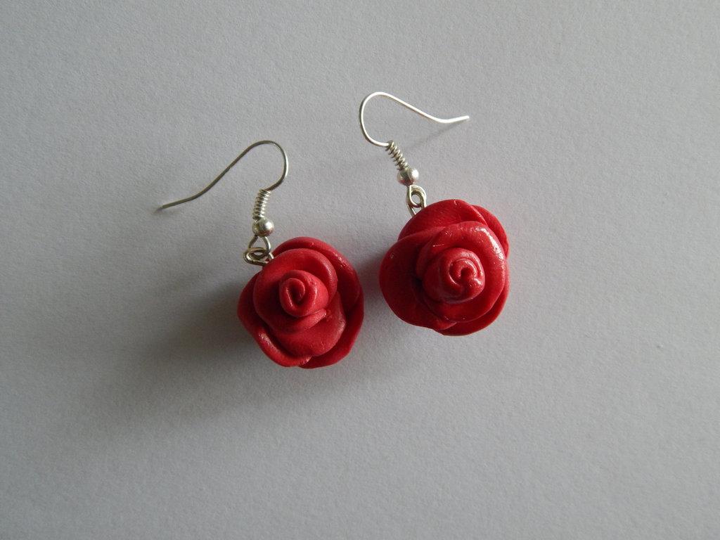 Orecchini con roselline