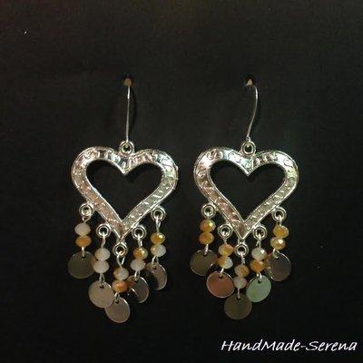 Orecchini pendenti a forma di cuore con pendagli