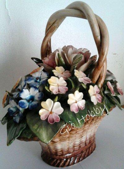 Cesto con fiori di capo in ceramica Capodimonte