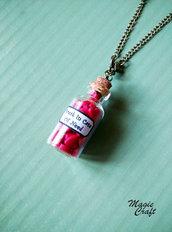 Collana Bottiglietta con cuoricini in Fimo
