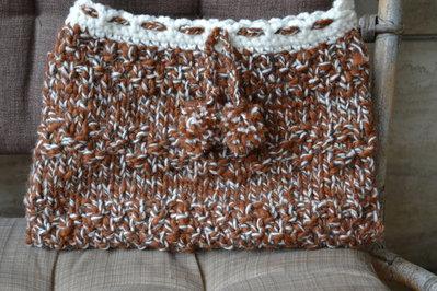 Borsa di lana a tracolla color caramello e panna