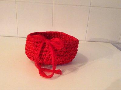 Cestino rosso in fettuccia.....idea regalo