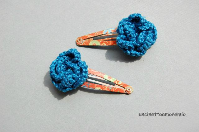 Coppia mollette clip per capelli a fantasia con decorazione fiore uncinetto blu chiaro - accessori per bambine, per ragazze, per donne