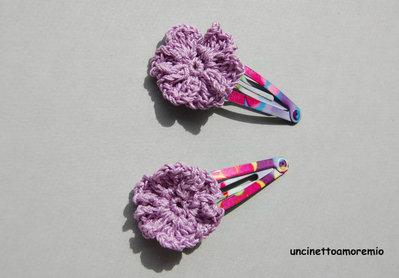 Coppia mollette clip per capelli a fantasia con decorazione fiore lilla ad uncinetto - accessori per bambine, per ragazze, per donne