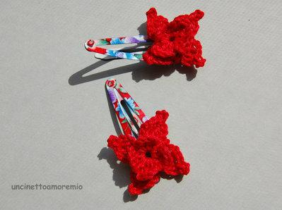 Coppia mollette clip per capelli a fantasia con decorazione fiore rosso ad uncinetto - accessori per bambine, per ragazze, per donne