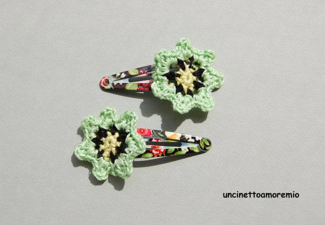 Coppia mollette per capelli a clip con decorazione fiore in verde,giallo e nero ad uncinetto - accessori per bambine , per ragazze, per donne