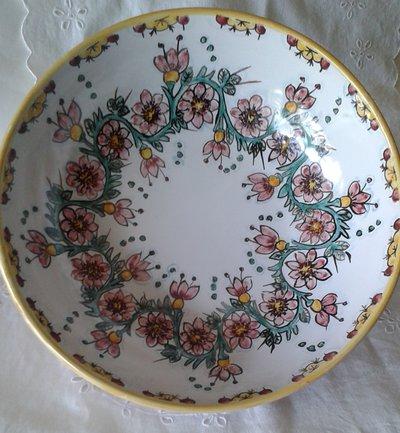 Ciotola /insalatiera/spaghettiera in ceramica.Dipinta a mano..Decoro Floris.