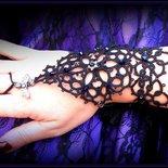 """Bracciale /Guanto da Schiava Slave Bracelet """"Pandora"""" in Pizzo Nero Chiacchierino"""