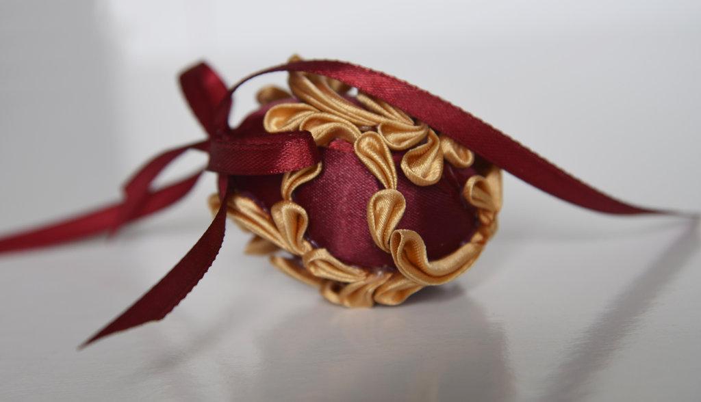 Uovo di Pasqua kanzashi bordeaux piccolo