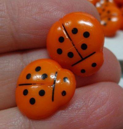 15 Bottoni in acrilico COCCINELLA colore ARANCIONE