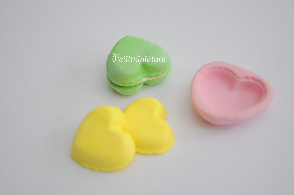 Stampo Silicone Flessibile cuore macaron,Miniature cibo,gioielli,charms,macaron,fimo,polymer clay,resina,sapone,dolce,20mm,Parigi ST028