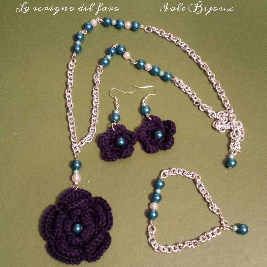 Collana fiore uncinetto blu con perline azzurre + orecchini e bracciale abbinati