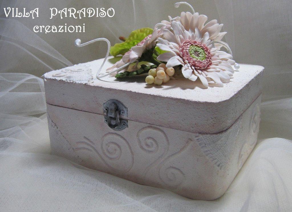 La scatola con i fiori