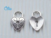 8 charms cuore lucchetto 20x13mm
