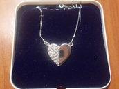 Collana cuore grande in argento 925 e cubic zirconia bianchi.