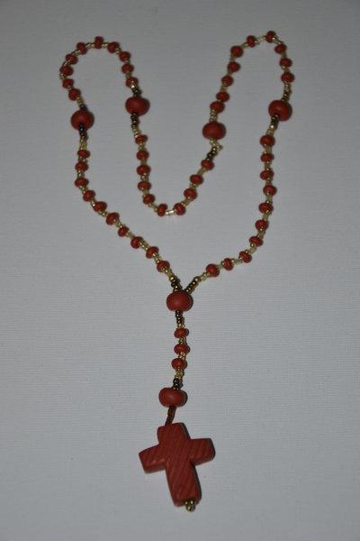 Rosario in Fimo e perline- realizzato a mano- color corallo