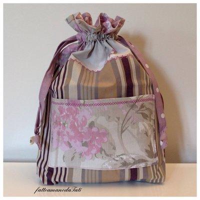 Sacchetto portatutto in cotone a righe e a fantasia floreale con tasca