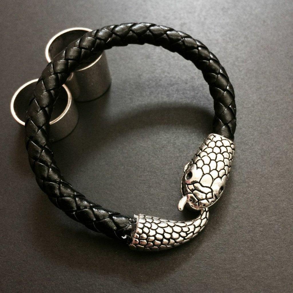 braccialetto con chiusura serpente