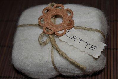 SAPONE INFELTRITO NATURALE - LATTE
