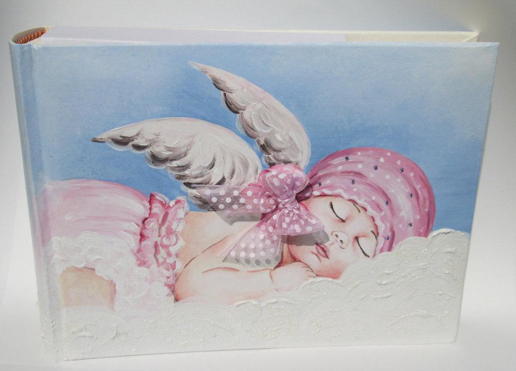 Album foto con angioletto dipinto