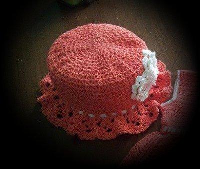 cappellino di cotone uncinetto