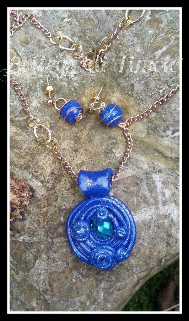 catena con ciondolo blu' smeraldo e orecchini