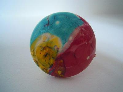 Anello bottone smalto azzurro /giallo / fucsia